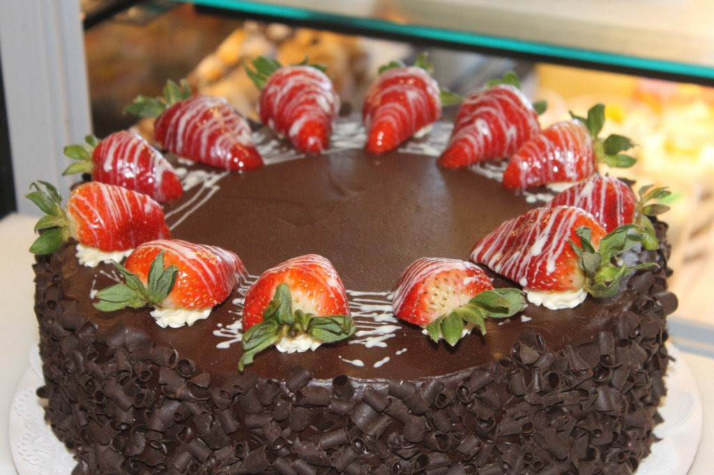 Decorate Chocolate Cake With Fruit