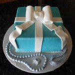 Fondant Gift Box with jewels