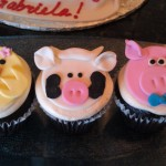 Piglet themed cucpakes